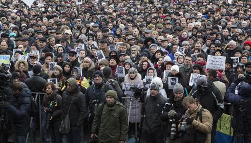 La foule sur la place du Maidan, le 2 mars 2014 © Yann Revol