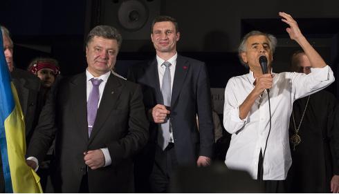 Petro Porochenko, Vitali Klitchko et Bernard-Henri Lévy © Yann Revol