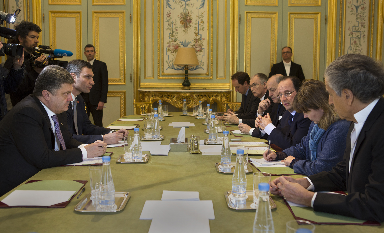 Vitali Klitschko, Petro Porochenko, François Hollande, Bernard-Henri Lévy à l'Elysée. Paris, 7 mars 2014.
