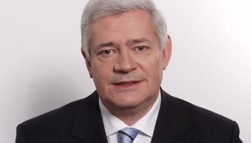 Bruno Gollnisch, candidat Front national aux élections municipales à la mairie de Hières