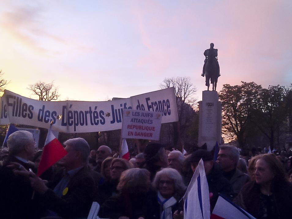 Rassemblement contre la haine le 19 mars au Trocadéro. Photo : Aline Le Bail-Kremer