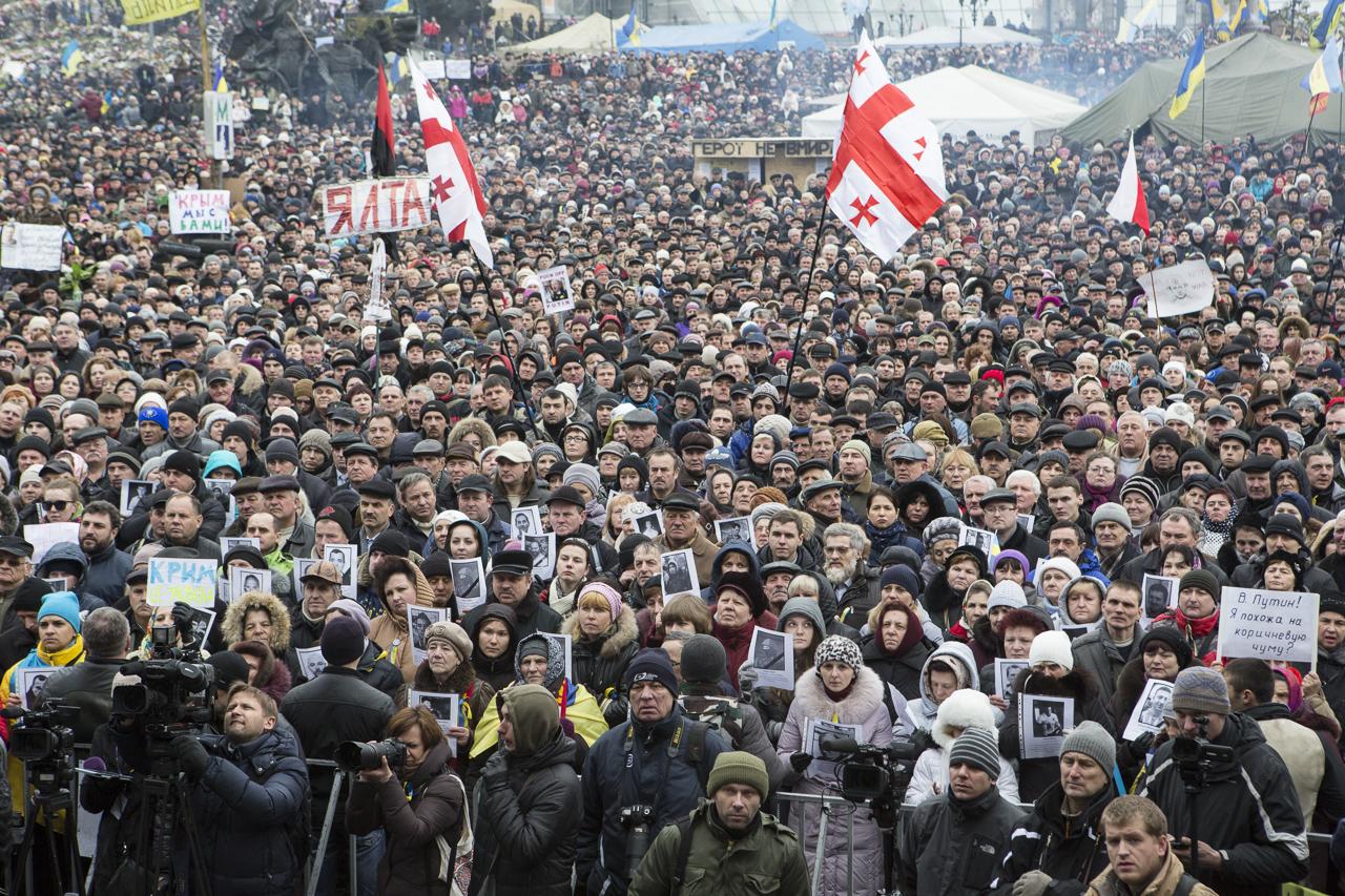 Les manifestants sur la Place du Maidan. Photo Yann Revol