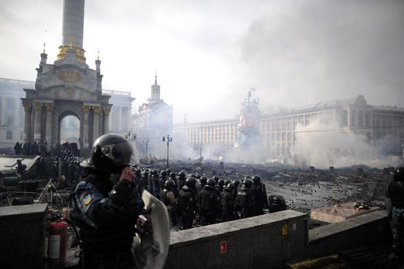 Affrontements sur la place du Maïdan, le 19 février 2014.