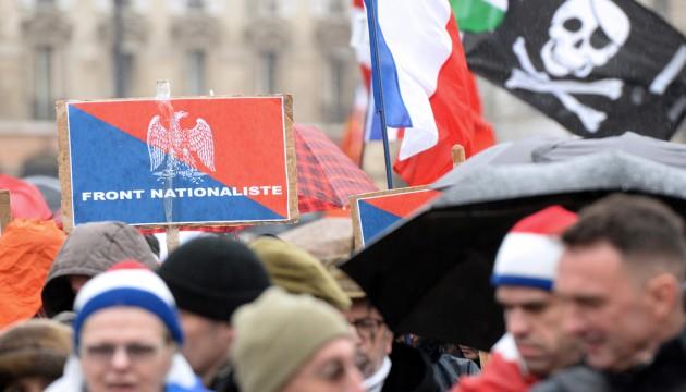 """Des participants au """"Jour de colère"""" à Paris le 26 janvier 2014."""