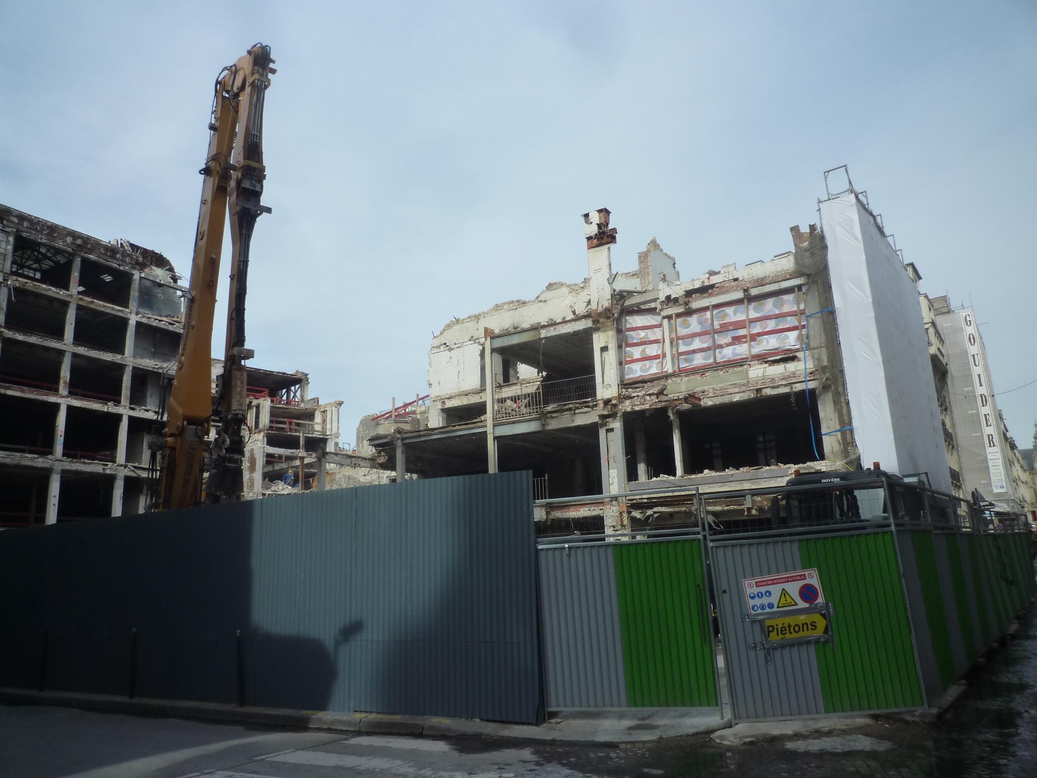 Les immeubles de la Samaritaine en cours de démolition (Photo : Didier Rykner)
