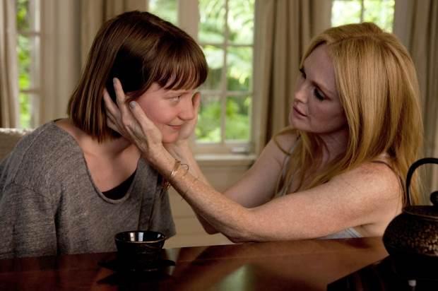 """Mia Wasikowska incarne l'assistante au passé trouble de Julianne Moore, actrice vieillissante, dans """"Maps to the stars"""" de David Cronenberg."""