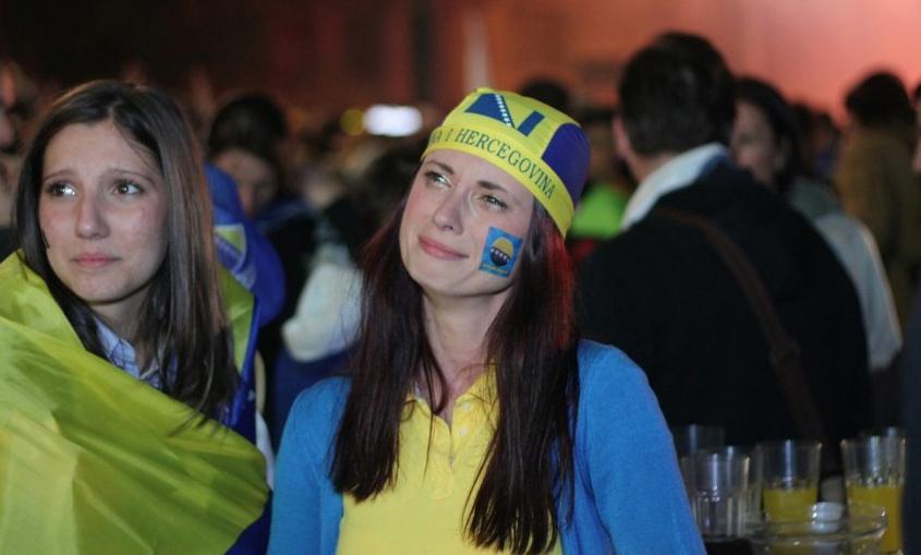 Supporteurs bosniens, le samedi 21 juin, après l'élimination des « Dragons ». Photo du site d'information en ligne Klix.ba.