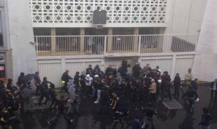 Synagogue assiégée en plein Paris, rue de la Roquette, aux cris de mort aux Juif suite à la manifestation pro-palestinienne ce 13 juillet. Photo : Aline Lebail-Kremer.