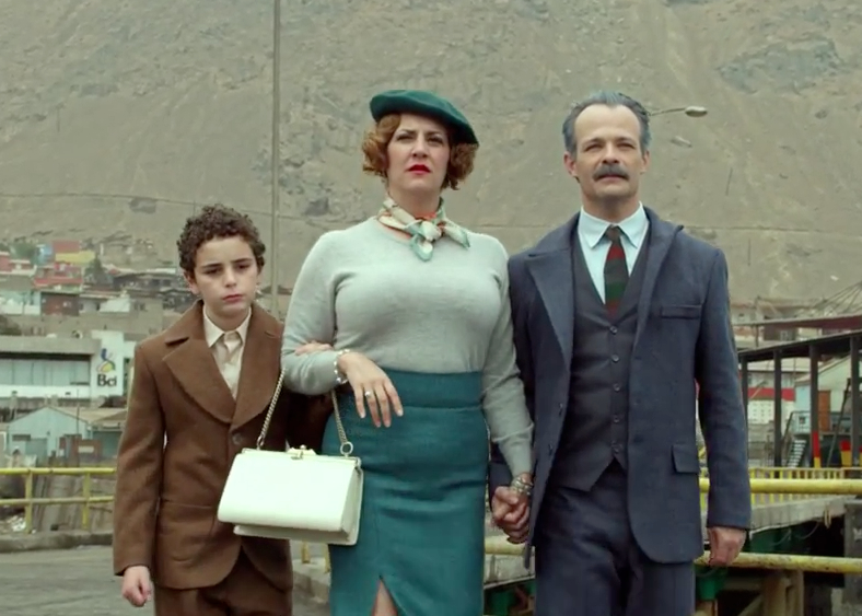 Les personnages d'Alejandro Jodorowsky enfant et ses parents, à Tocopilla, dans La Danza de la realidad.