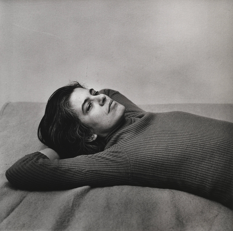 Portrait de l'écrivaine Susan Sontag.