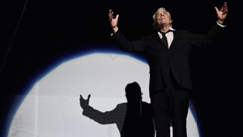 Jacques Weber sur scène pour Hôtel Europe, au Théâtre de l'Atelier. Photo : AFP