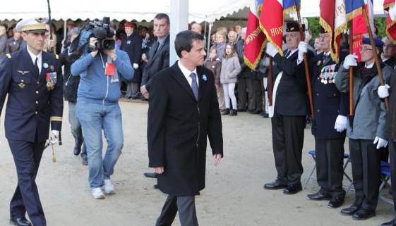 Comme ses prédécesseurs, le Premier ministre, Manuel Valls, était présent le 11 novembre à la clairière de l'Armistice de Rethondes.