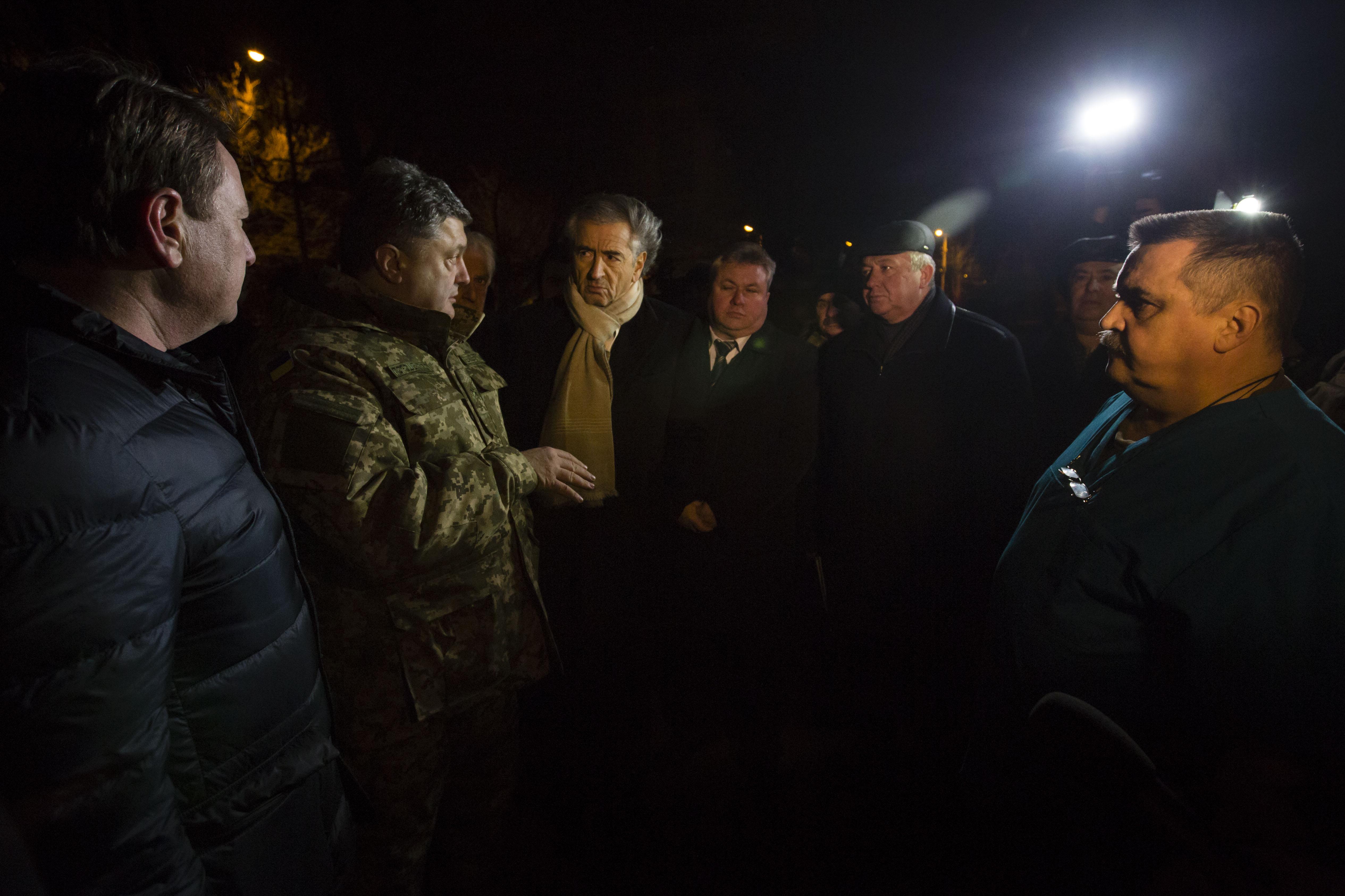 Porochenko_Kramatorsk-Bernard-Henri-Levy_Ukraine
