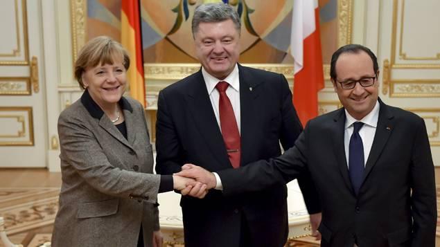La chancelière Angela Merkel, le président ukrainien Petro Porochenko et François Hollande