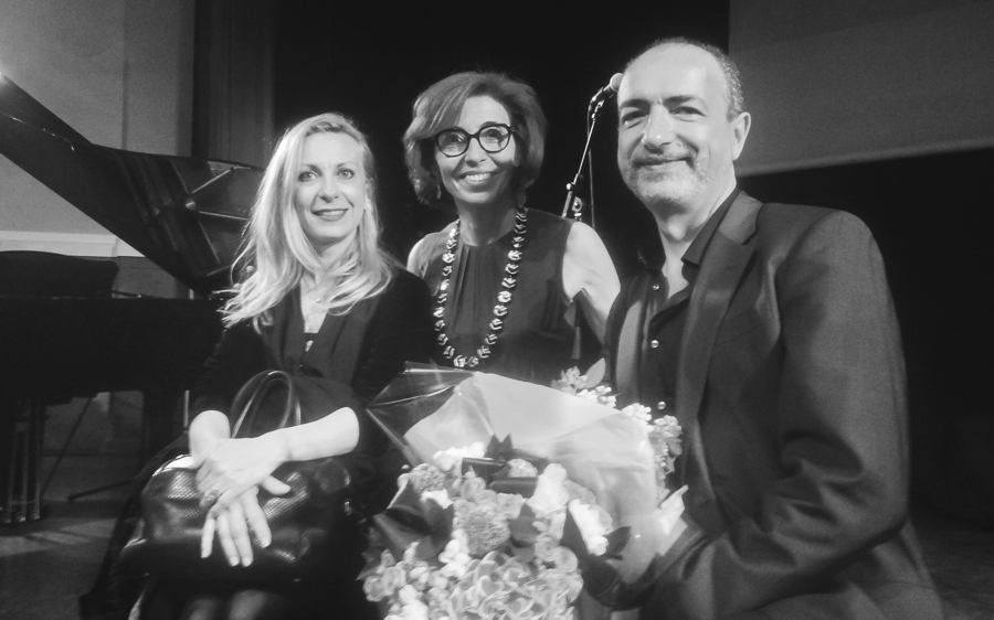 De gauche à droite : Natalie Dessay, Caroline Madsac et Laurent Naouri. Photo : Bernard Schalscha.