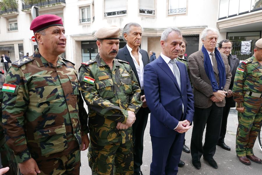 Les combattants kurdes à Paris.