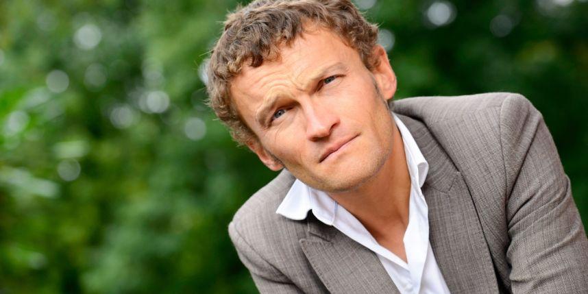 Portrait de l'écrivain Sylvain Tesson
