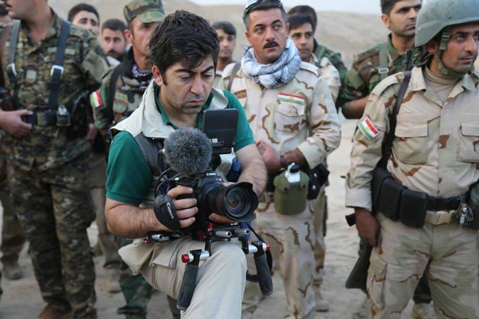 Ala-Hoshyar-Tayyeb-cameraman-de-peshmerga-de-bernard-henri-levy