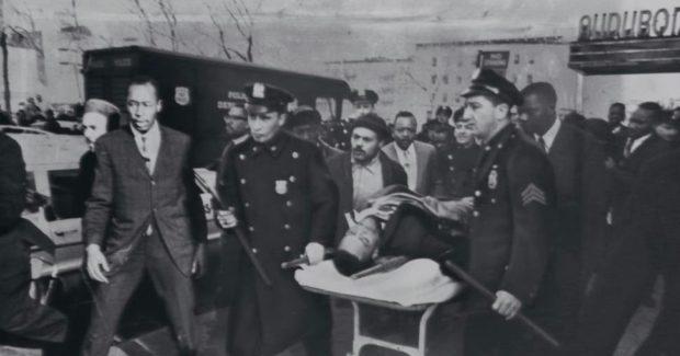 Photo du corps inanimé de Malcolm X suite à son assassinat le 21 février 1965 au Audubon Ballroom à Harlem.