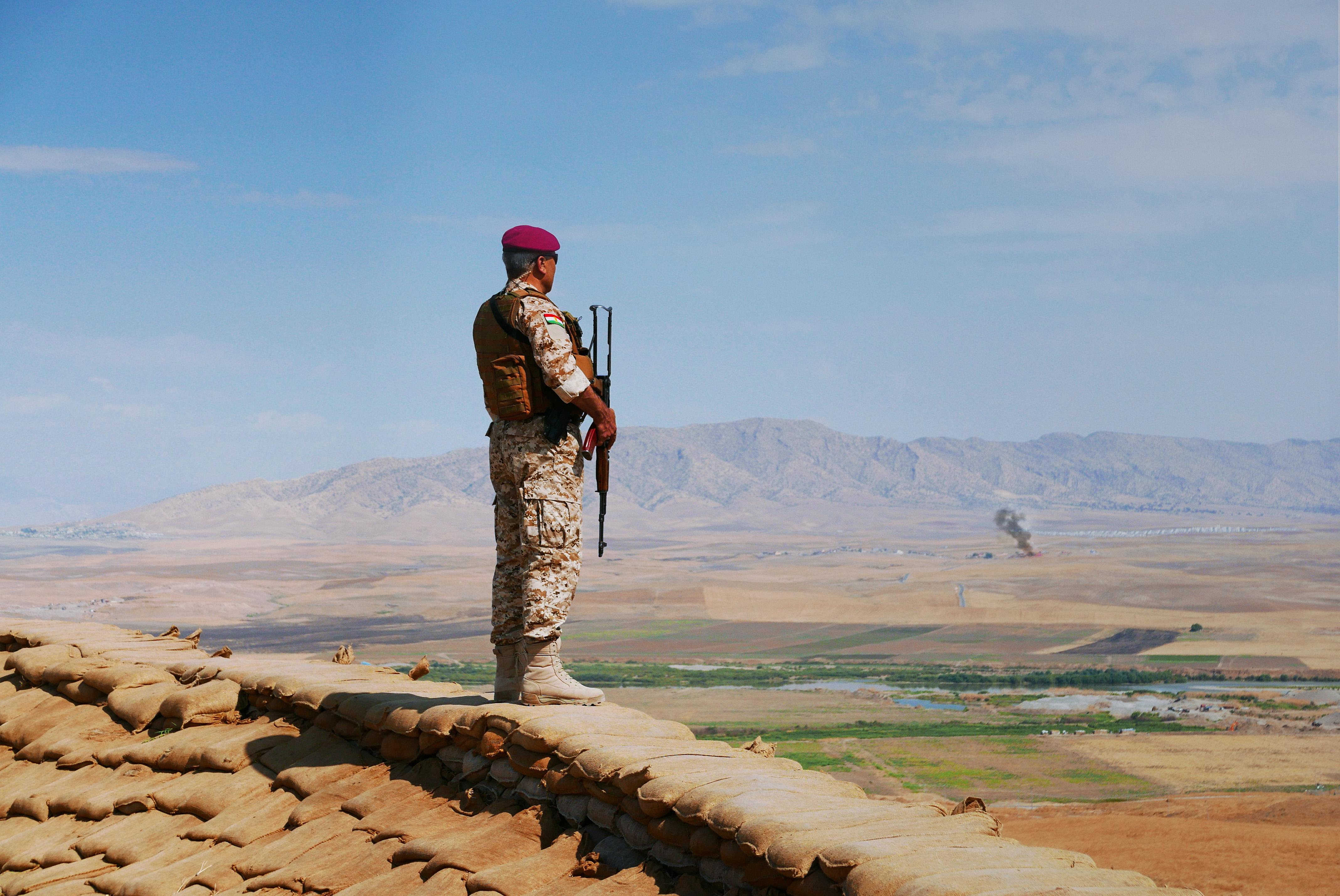 """Scène du film """"Peshmerga"""" de Bernard-Henri Lévy."""