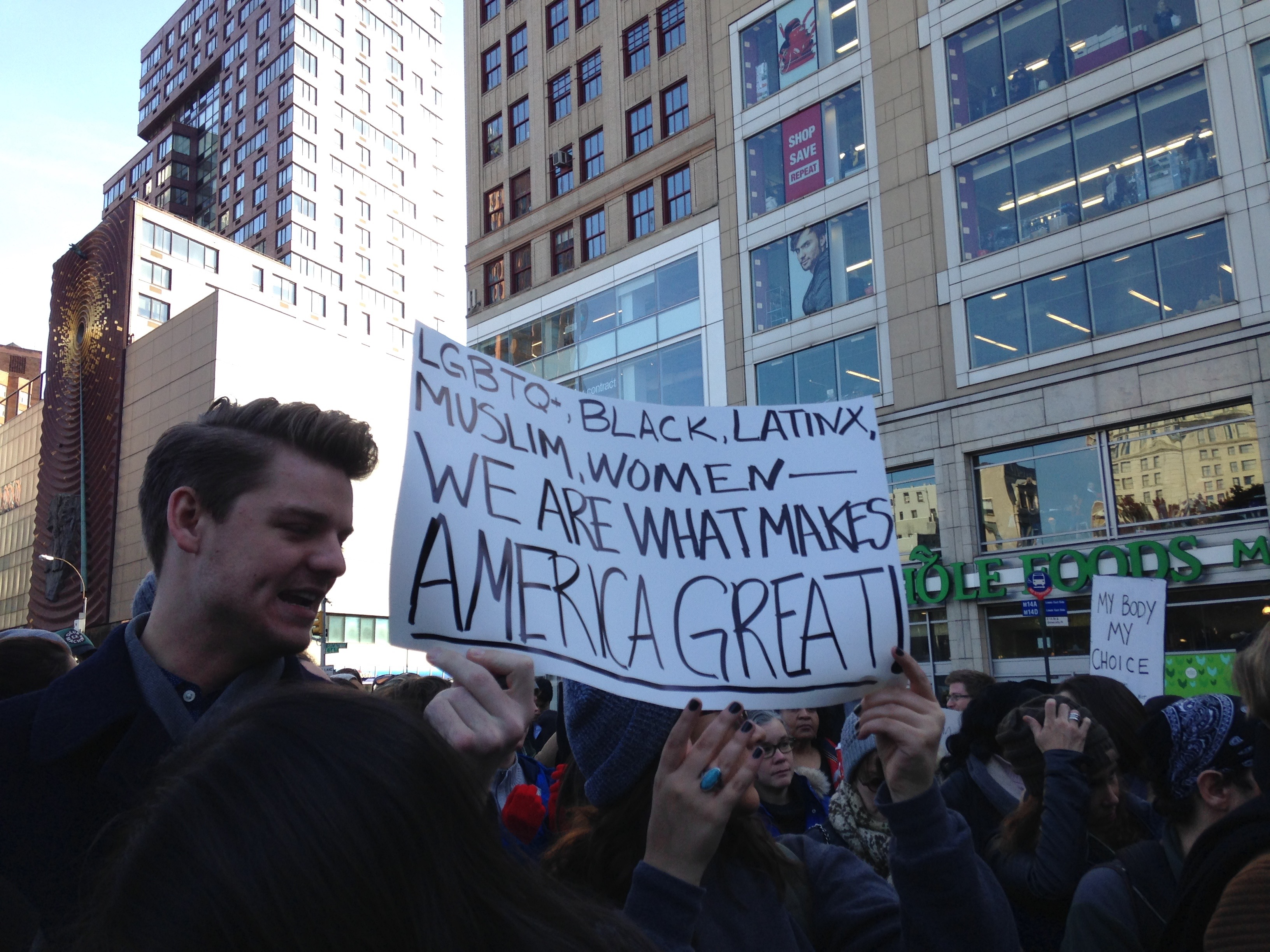 manifestation_anti-trump-new-york-1