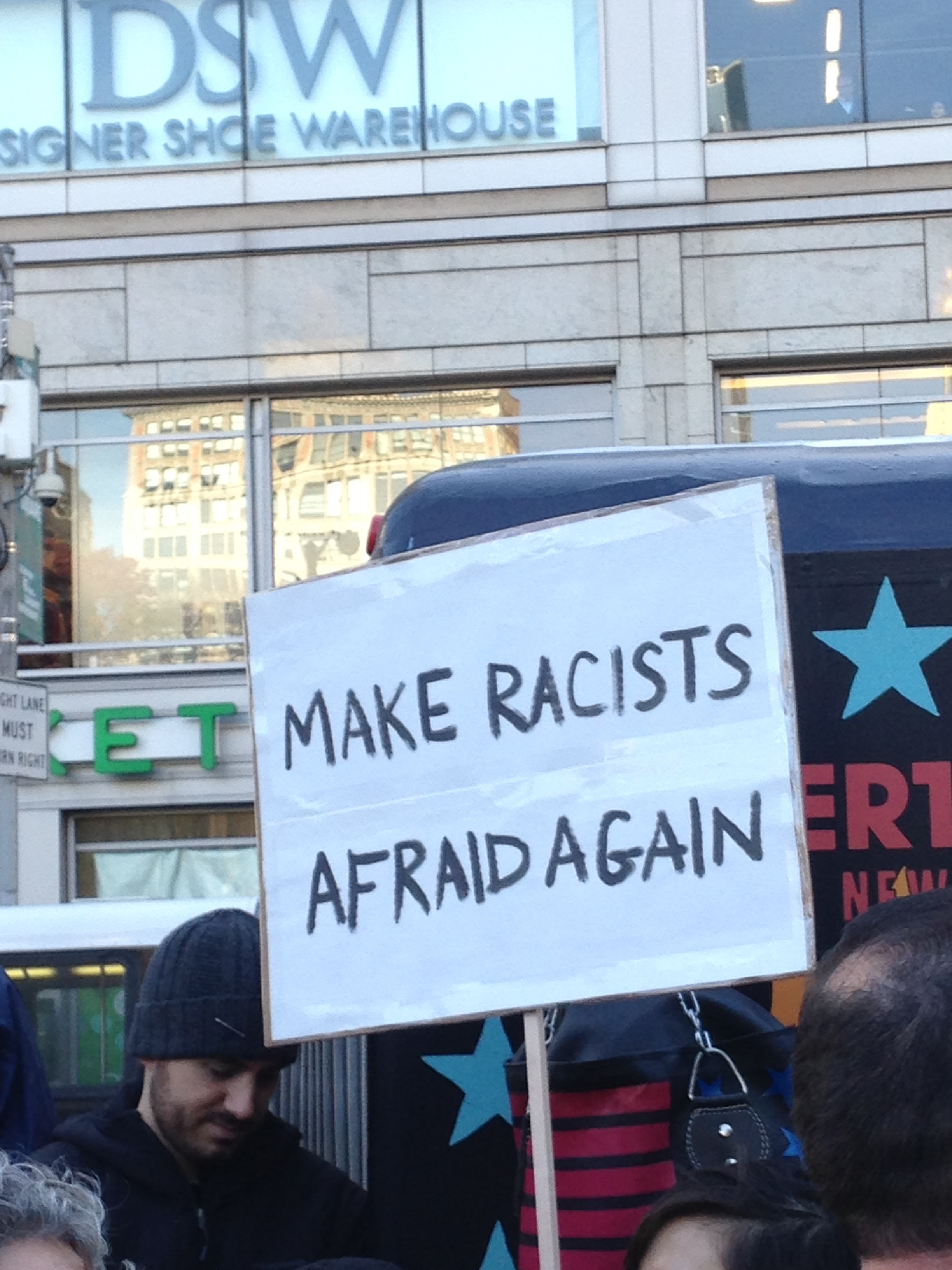 manifestation_anti-trump-new-york-4