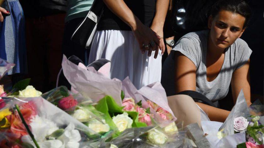 Hommage aux victimes de l'attentat du 14 juillet 2016 à Nice.