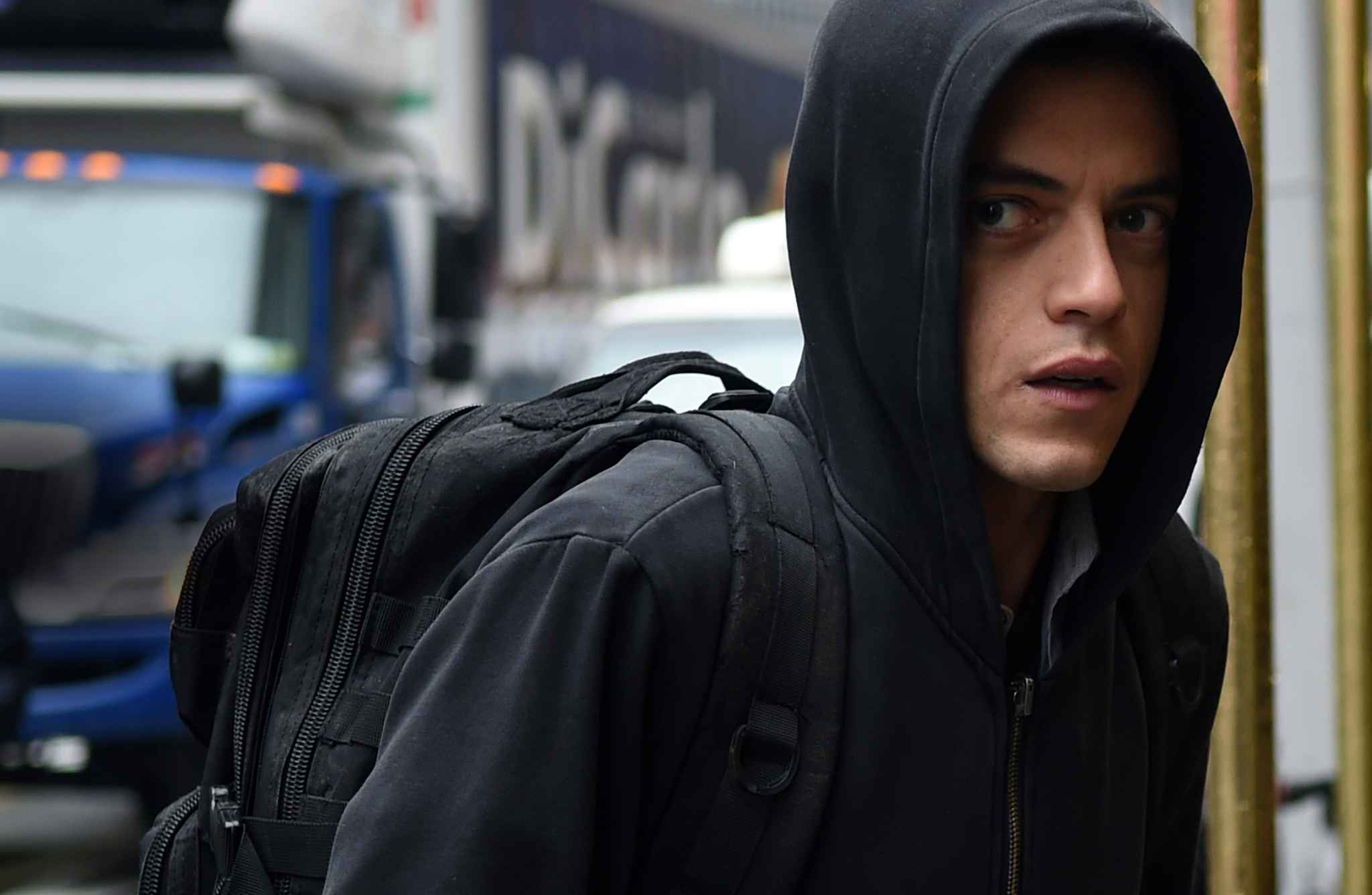 OUTCASTS - Los Angeles  Mr-robot