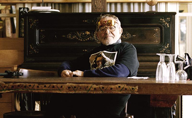 Fernando Arrabal dans son appartement parisien. Photo : Josep Fonti