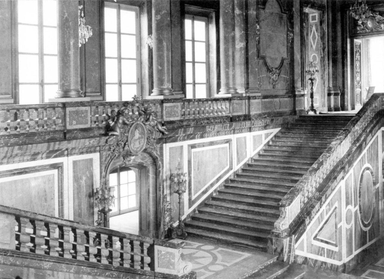 L opold legros palais rose les pr cieux d bris d un for Architecte grand palais
