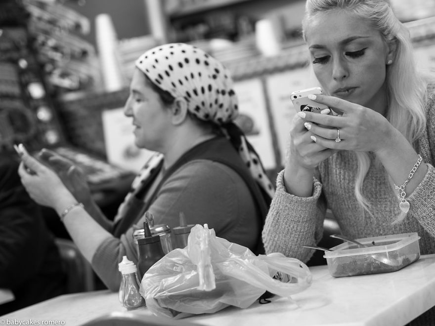 babycakes-romero-smartphone-8