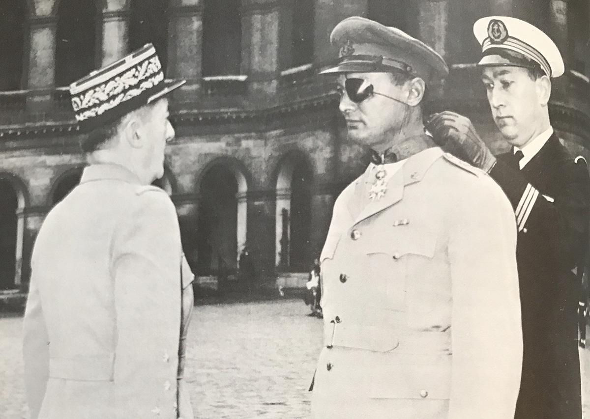 Le général Augustin Guillaume, le général Moshé Dayan et le Lieutenant de vaisseau René Bloch.