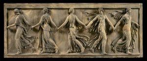 Joseph Chinard, Les Danseuses Borghèse, 1792, terre cuite, 39,7 x 96,7 cm, galerie Katz.