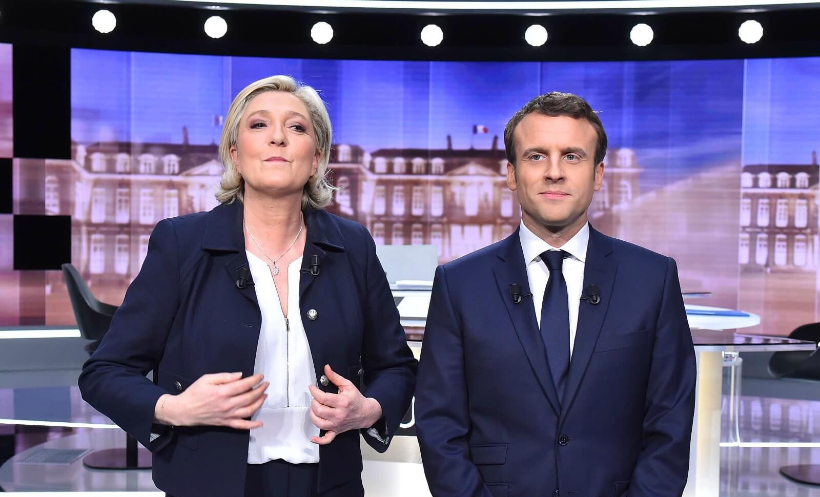 Marine Le Pen et Emmanuel Macron avant le débat de l'entre-deux-tours de la présidentielle 2017. Mai 2017.