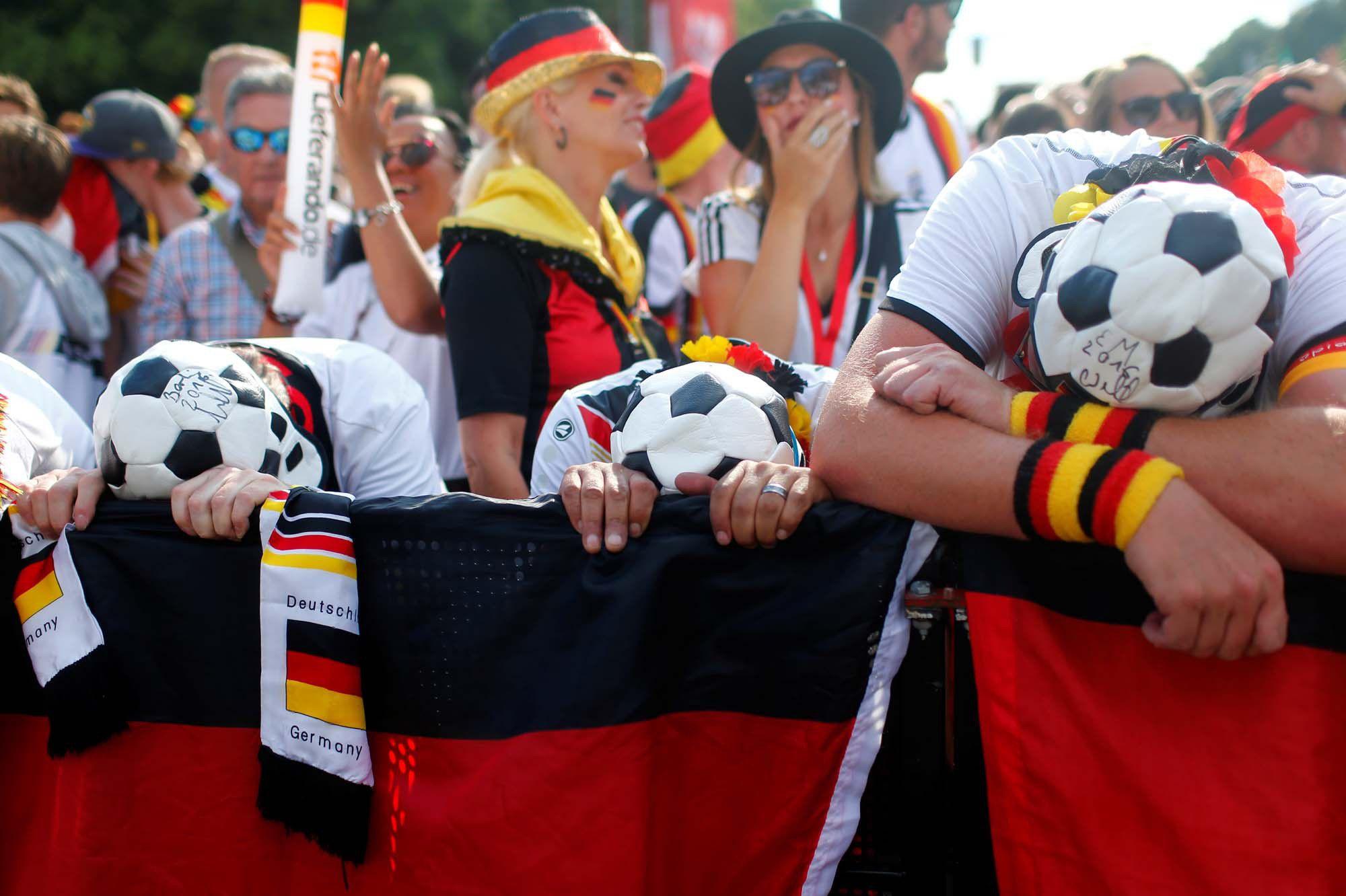 La détresse des supporters à Berlin après la défaite de l'équipe allemande.