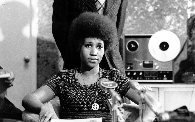 Aretha Franklin lors d'une conférence de presse en mars 1973.