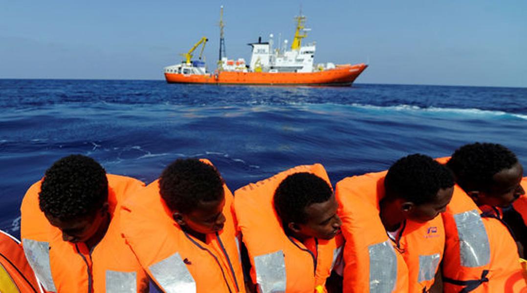 Des migrants ont été secourus le 10 août dernier par l'ONG SOS Méditerranée et son navire L'Aquarius.