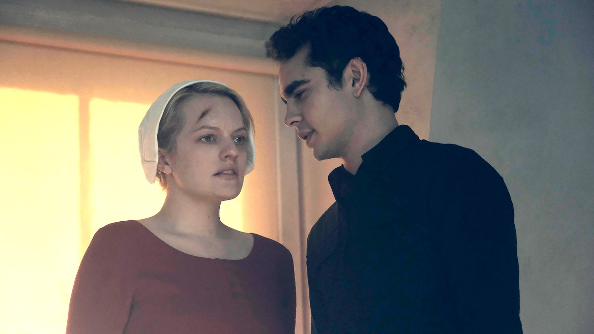 handmaids-tale-nick-and-offred-serie