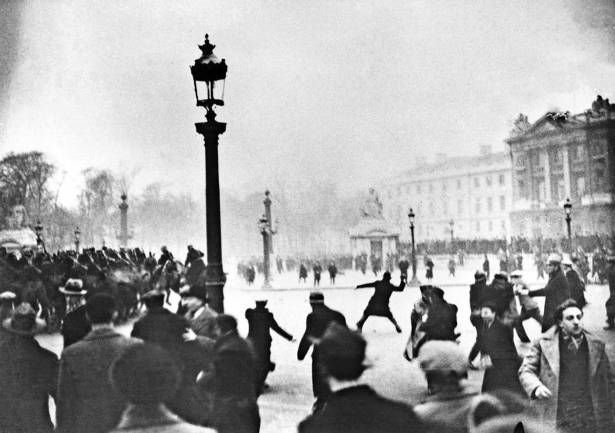 Le 6 février 1934 sur la place de la Concorde à Paris.