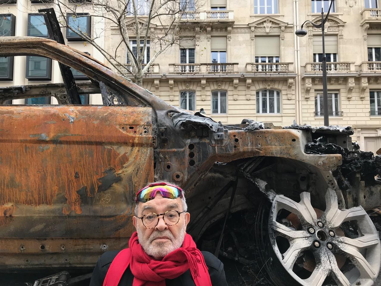 Fernando-Arrabal-cimetiere-de-voitures