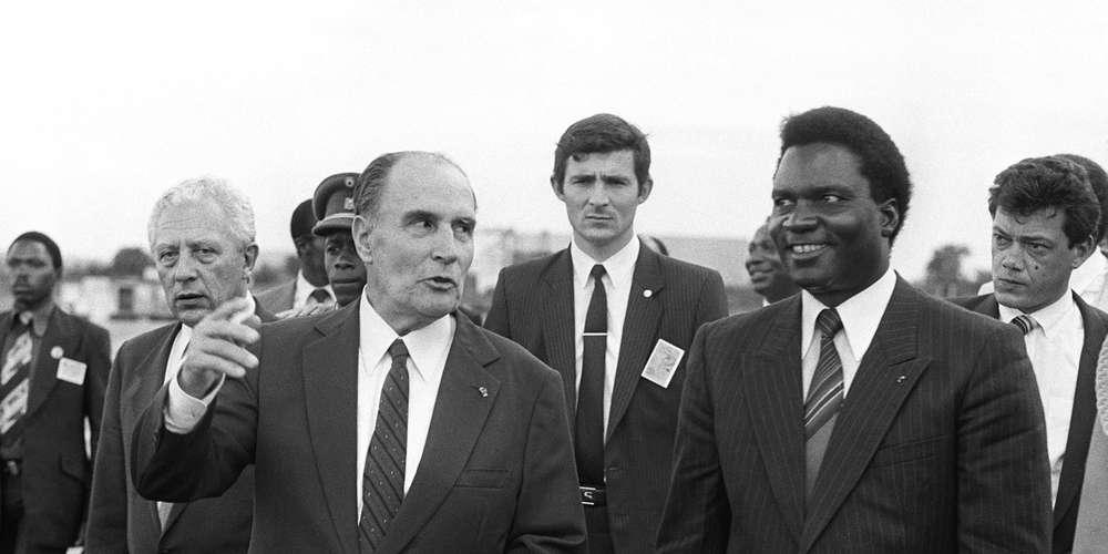 François Mitterrand et Juvénal Habyarimana, le 10 décembre 1984 à Kigali.