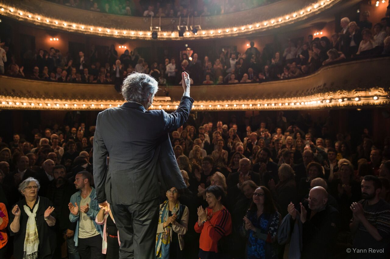 "Représentation de ""Looking for Europe"" de Bernard-Henri Lévy au Théâtre Antoine à Paris, le 21 mai 2019. Photo : Yann Revol."