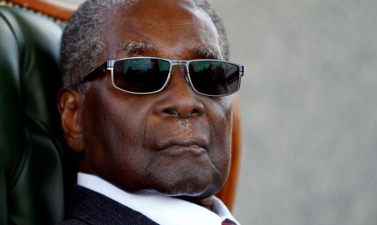 Robert Mugabe, l'ancien président du Zimbabwe, a été chassé du pouvoir en 2017. Il est mort à 95 ans, le 6 septembre 2019, à Singapour.