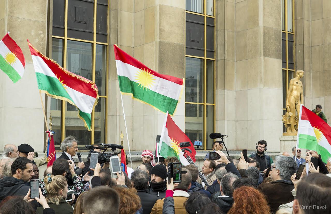 BHL-manifestation-Kurdes