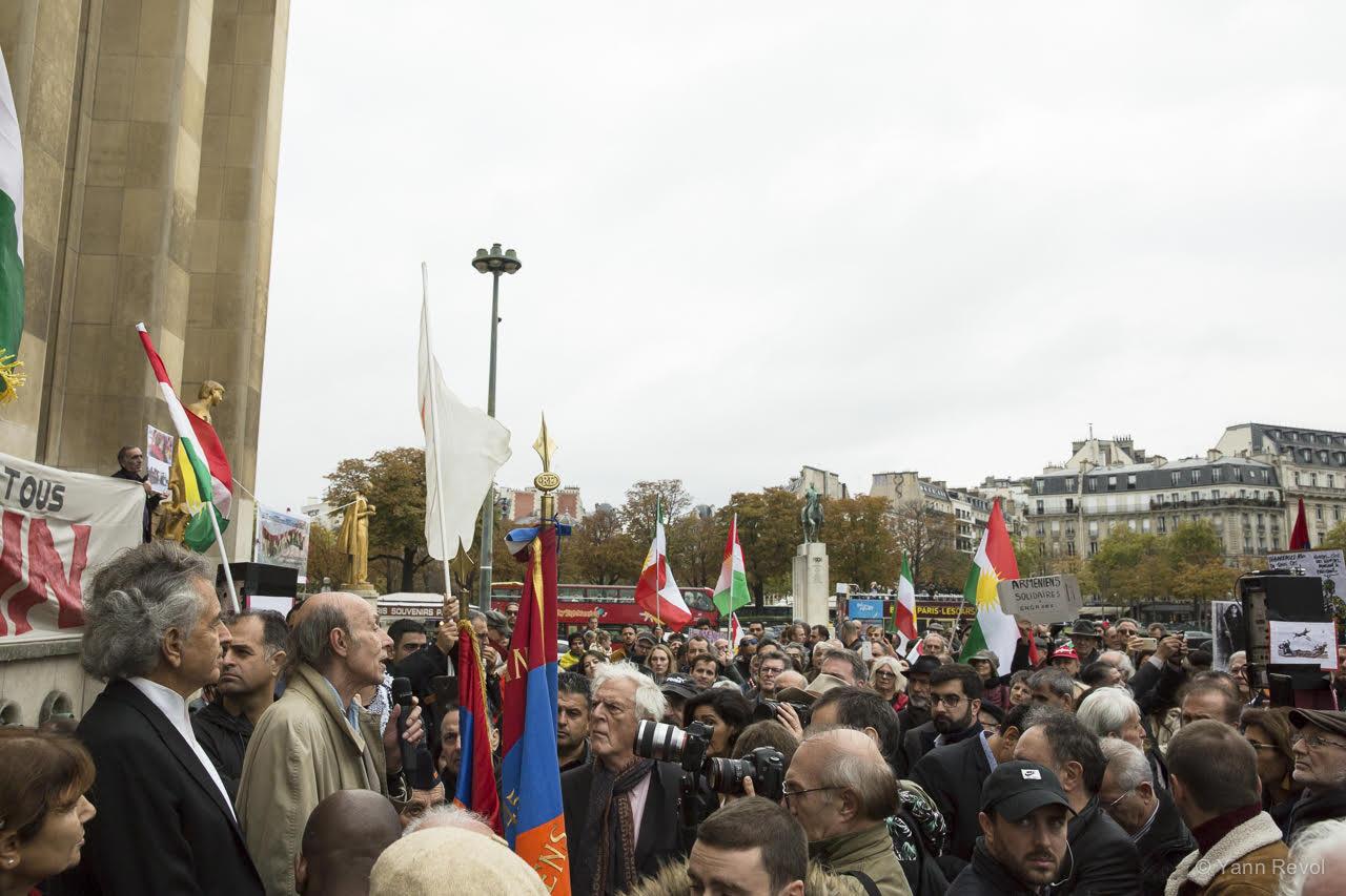Bernard-Schalscha-en-manifestation-en-soutien-aux-kurdes
