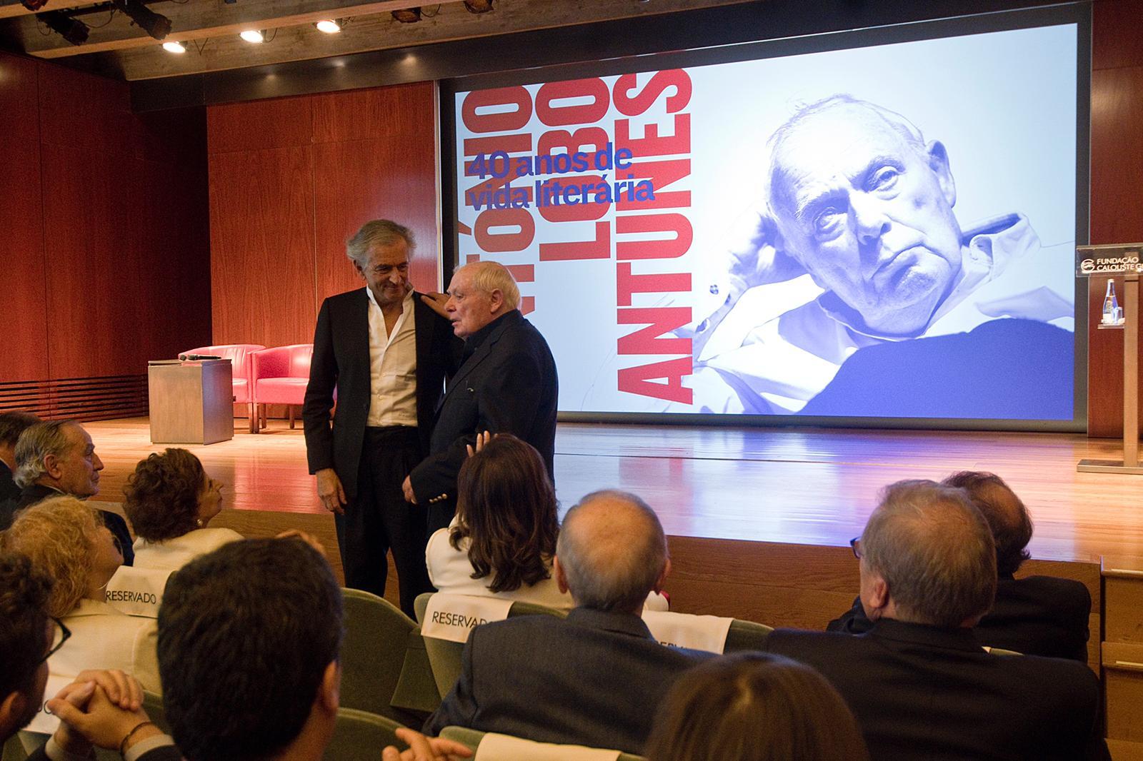 Bernard-Henri Lévy et Antonio Lobo Antunes à la Fondation Calouste Gulbenkian, à Lisbonne, le samedi 28 septembre 2019.