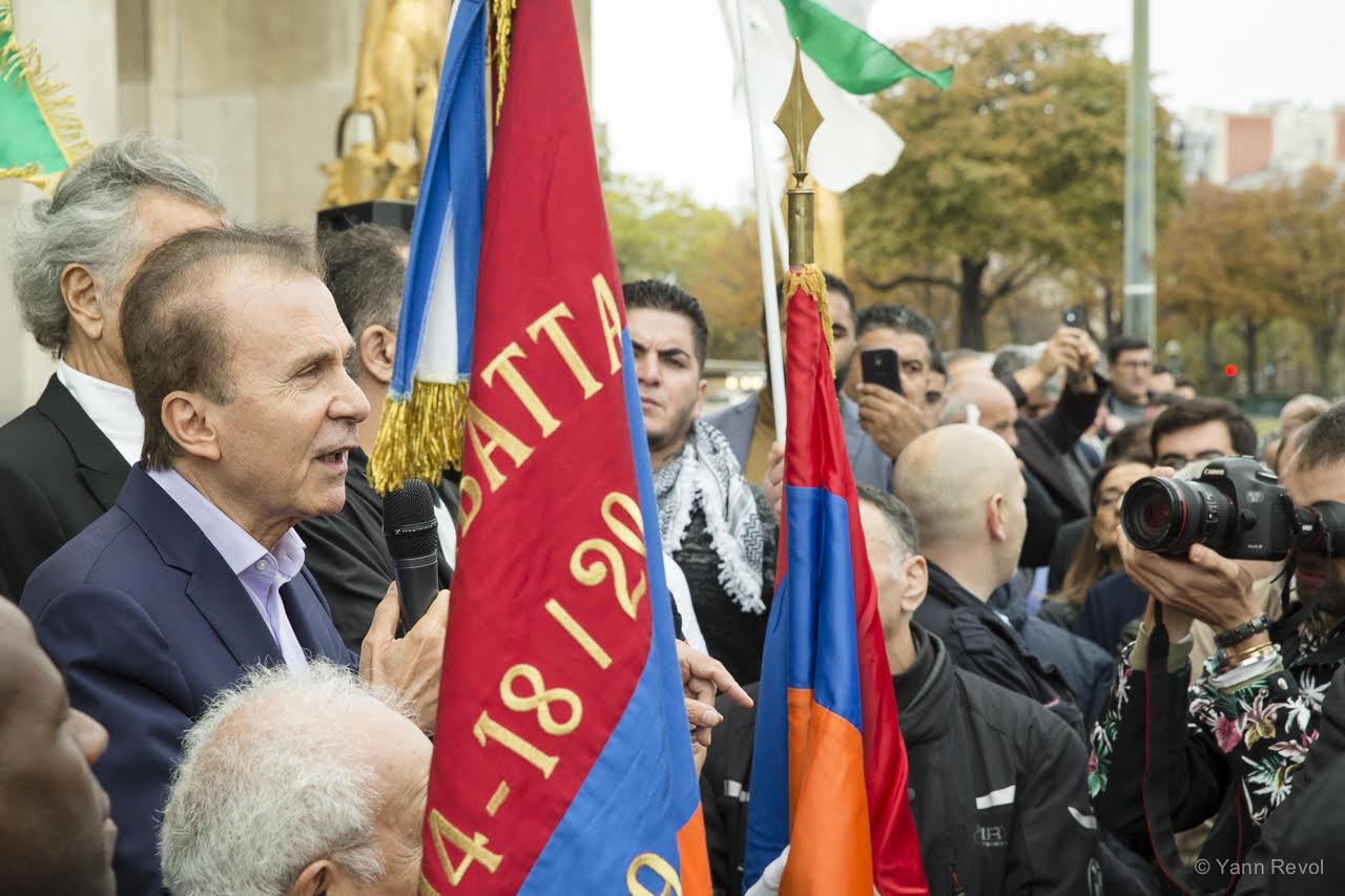 Kendal-Nezan-Manifestation-a-Paris