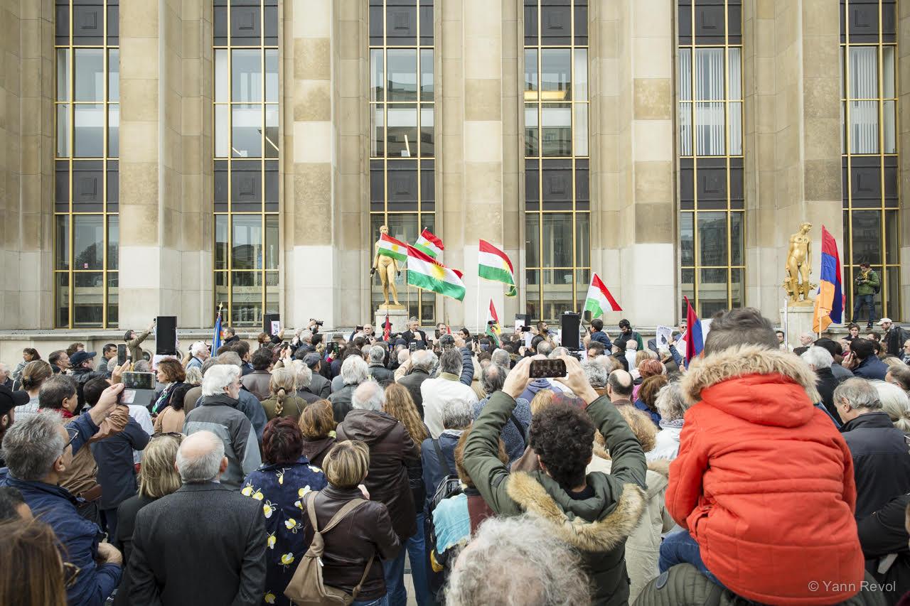 Manifestation-Kurdes-Paris-trocadero