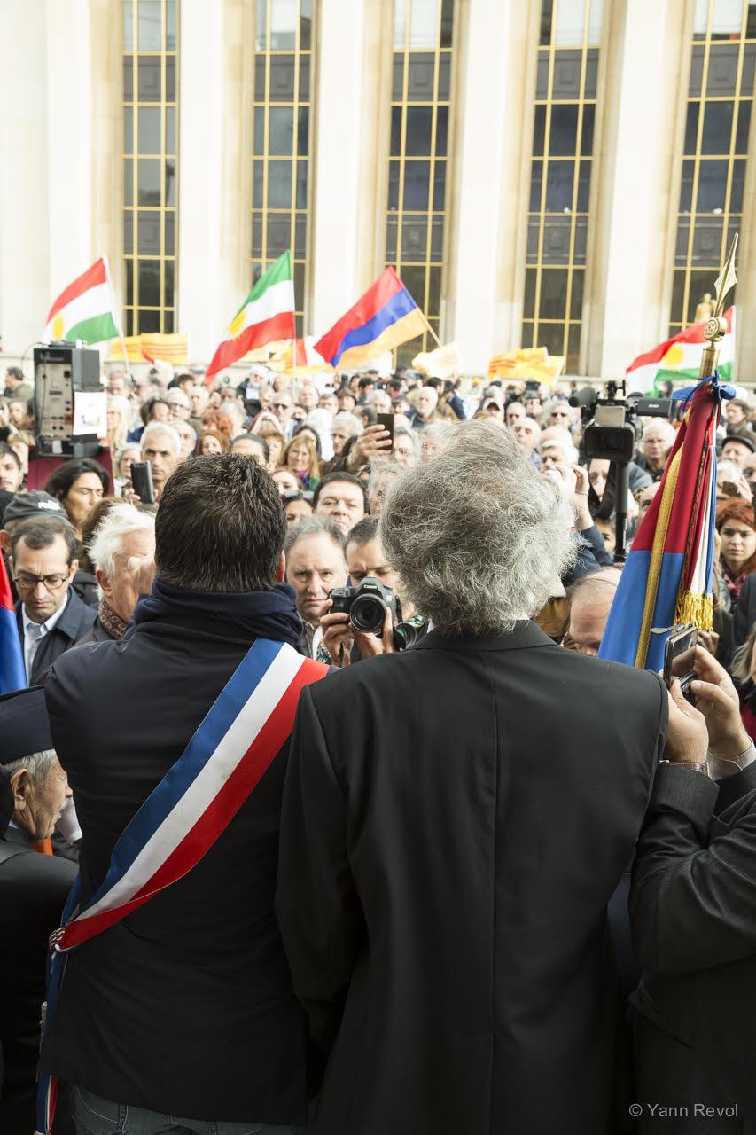 manifestation-a-paris-en-soutien-des-kurdes-trocadero-11