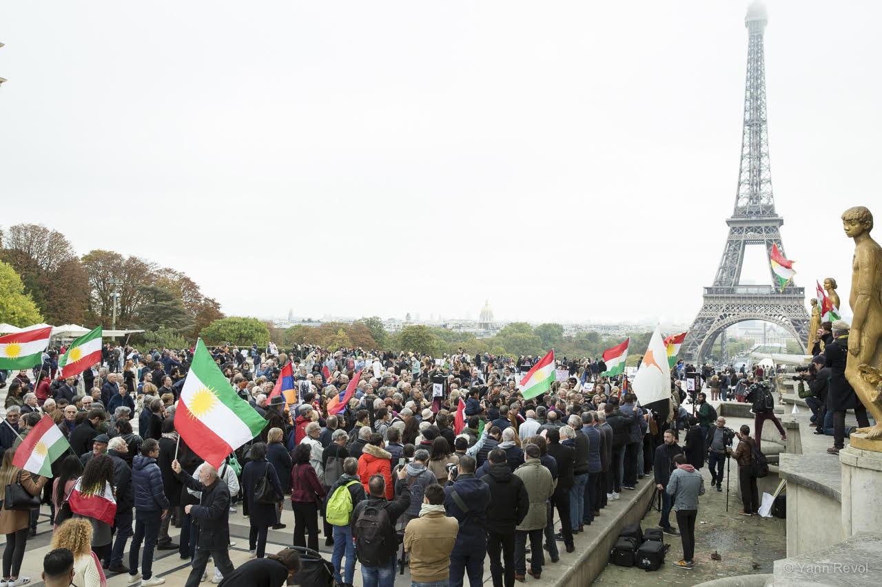 manifestation-a-paris-en-soutien-des-kurdes-trocadero-5